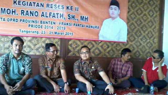 Mohammad Rano Alfath, SH, MH., saat reses di Desa Perahu, Kecamatan Sukamulya, Kabupaten Tangerang, Banten, Jum'at (27/3). (Foto: Padma)