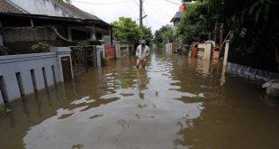 Atasi Banjir, Pemkot Tangerang Bakal Buat Tanggul Sementara di Kali Angke